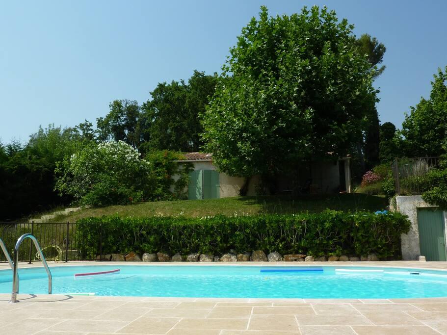 Villa piscine opio 9 personnes 4 ch clim calme villas for Villa piscine france