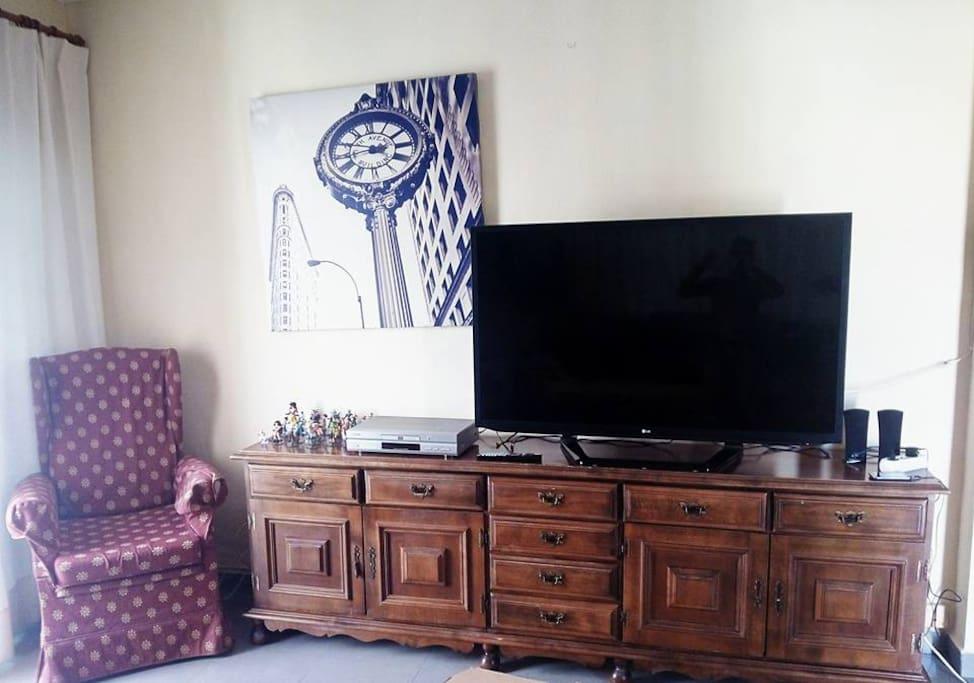 Salon con television de 55 pulgadas