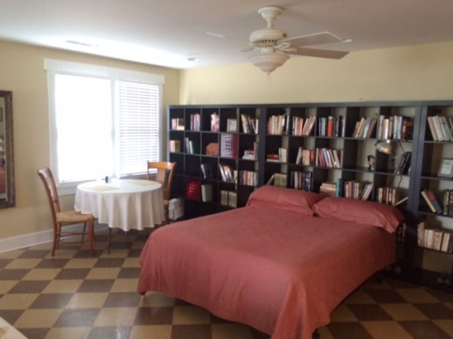 1) Queen Bed, 1) twin bed. Dining area/work area by the window.
