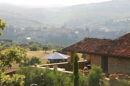Stylish, luxurious casa with pool - Piegaro