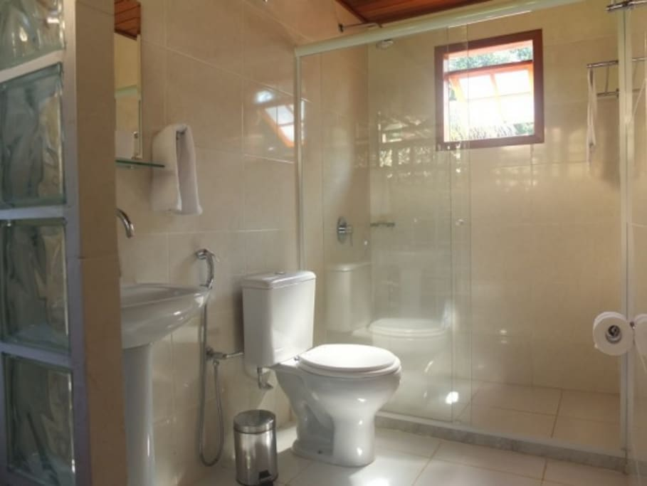 The deluxe chalets offer modern spacious bathrooms with steaming gas hot water showers.
