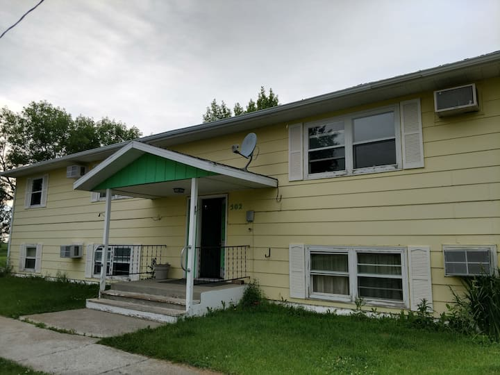 #2 Spacious 2 bedroom Apt In Beautiful Ashley, ND!