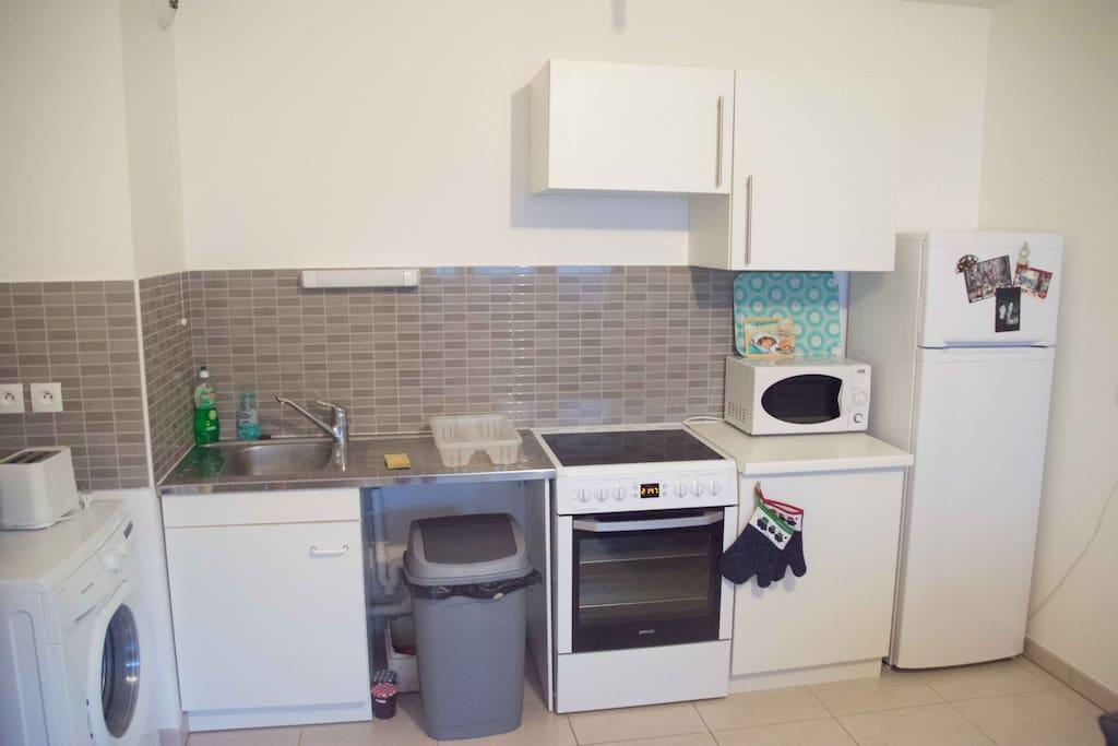 Cuisinière éléctrique, Four, Micro-onde, lave linge