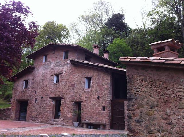 MASIA CATALANA del segle XVII totalment reformada - Riudaura - House