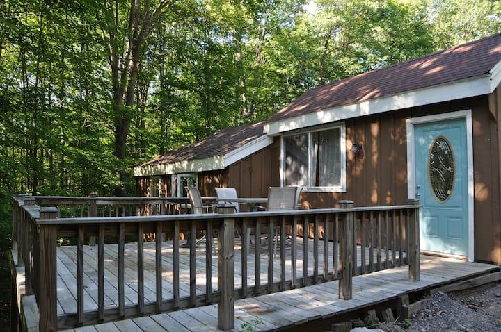 Quaint Cottage4on C5 Trail wFishing
