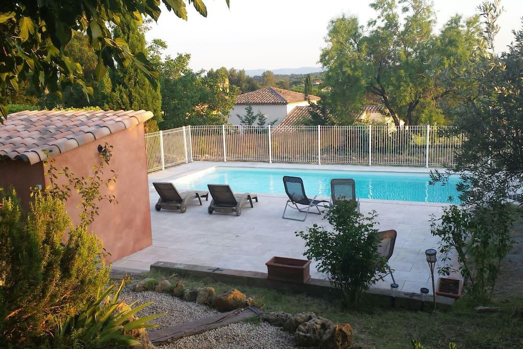 Spacieuse villa avec piscine maisons louer for Location villa cote d azur piscine