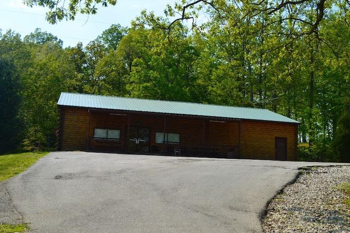 Adjoining cabin 7A  8 twin beds & open floor plan