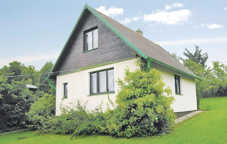 Holiday cottage with 2 bedrooms on 66m² in Lipova