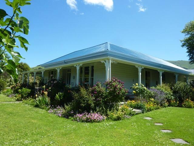 Halfmoon Cottage Akaroa