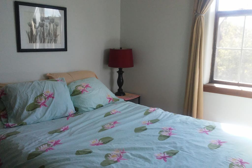 """Queen Suite Super Comfy Bed with 4"""" Memory foam topper!"""