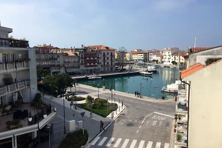 Great view of Grado parking incl. - Grado