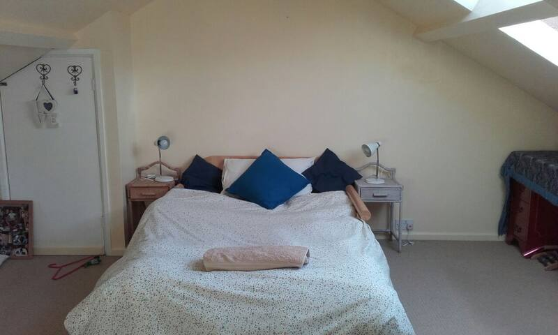 The loft room can be used on occasion for example if 2 people do not wish to share a bed! No extra charge.