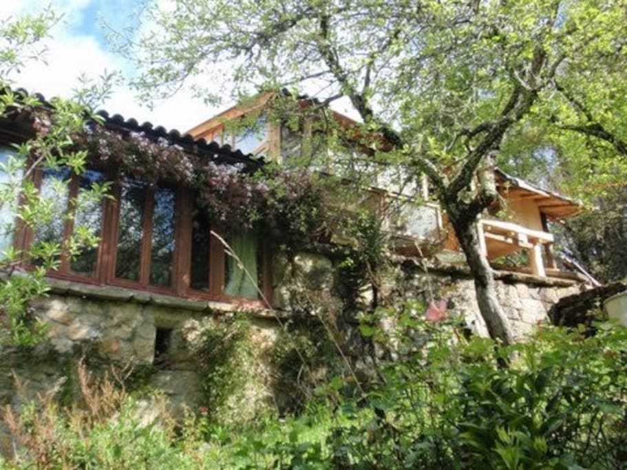 Charming wood on stone house casa de hu spedes en alquiler en a lama galicia espa a - Wood and stone house plans a charming symbiosis ...