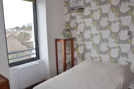 """Lovely Room near """"Golfe du Morbihan"""" - Arzon - Bed & Breakfast"""