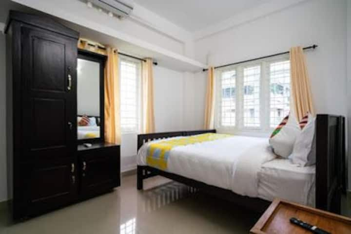 AYSHA RESIDENCY EDAPALLY PRIVATE BEDROOM NO 4