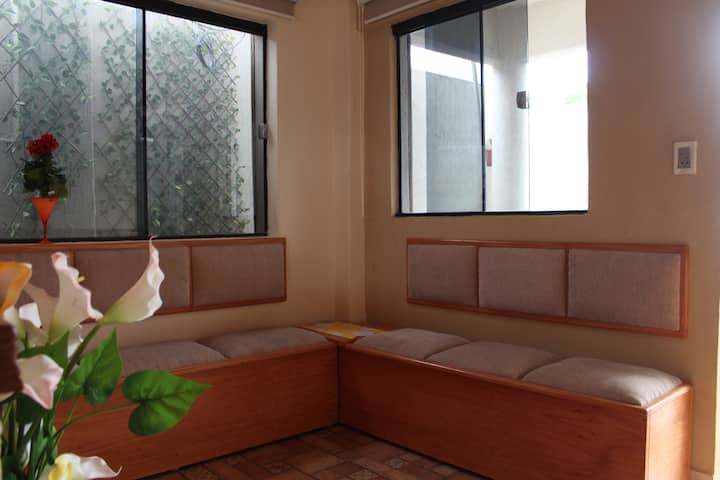 Comfortable Room in San Lorenzo Home+Access to gym