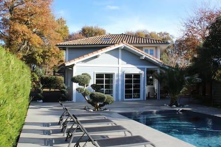 Villa avec piscine proche océan - Seignosse - Villa