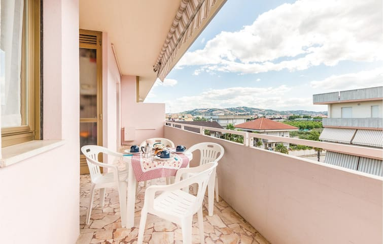 Holiday apartment with 2 bedrooms on 40m² in Villa Rosa TE