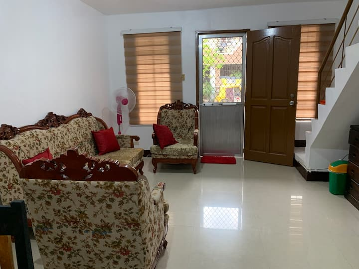 Entire house with aircon room & unlimited PLDTwifi