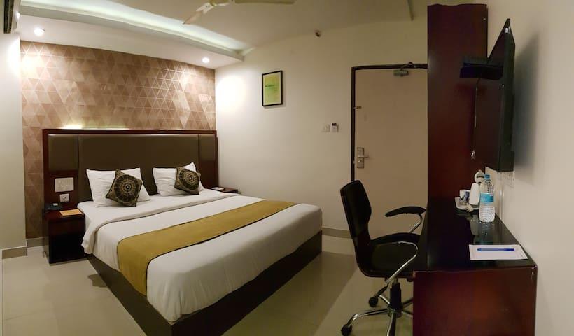 Modern room in a 3 star hotel near R.K Beach