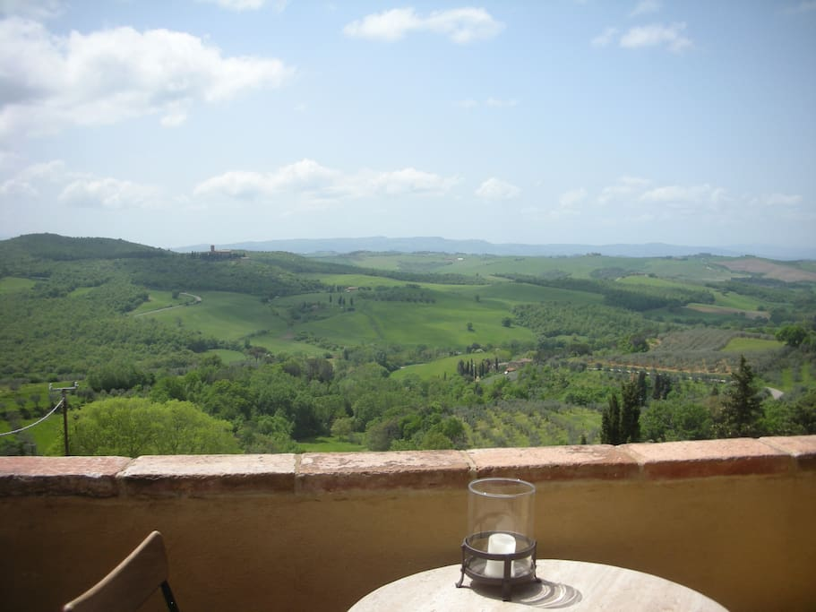 Peaceful view of the Tuscan hills and the Medieval Santa Anna Monastery