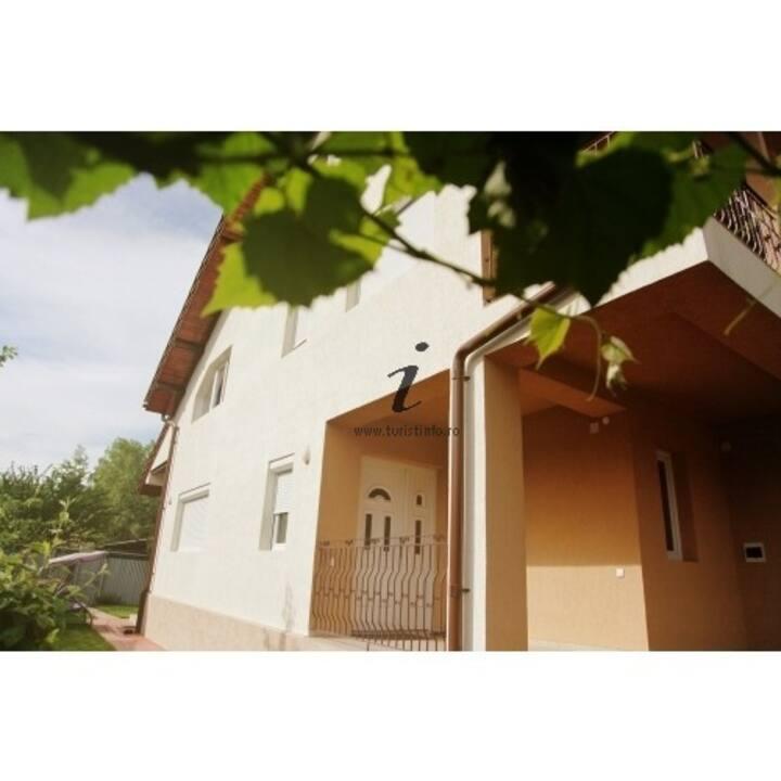 File de Poveste House