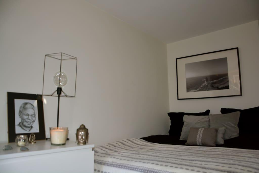Romantic queensize bed
