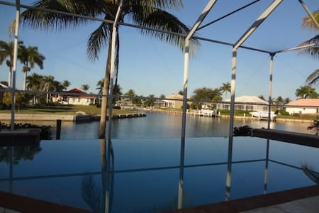 Love MarcoIsland Waterfront, Pool, Views, Dolphins - Marco Island