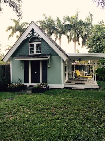 Cutest Guest House in  Delray Beach - Delray Beach - Talo