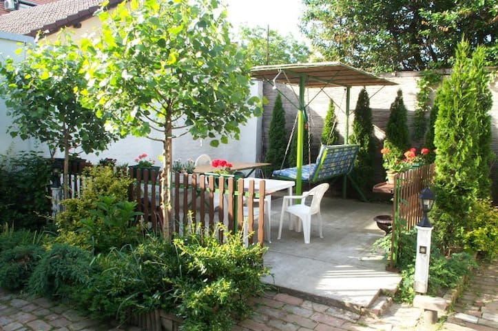 Brindza Guesthouse Room #1 - Szeged - Bed & Breakfast