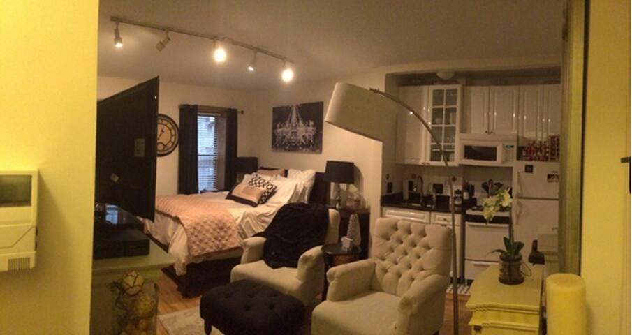 Cozy & Super Convenient Studio!