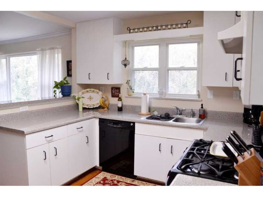 Clean and spacious kitchen.