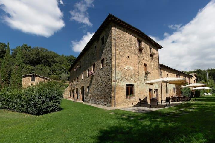 """Tuscany Villa """"I Cappuccini"""" for 16 - Montalcino - Villa"""