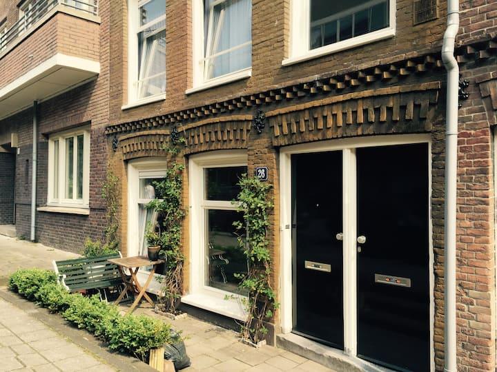 Charming studio near Amstel river