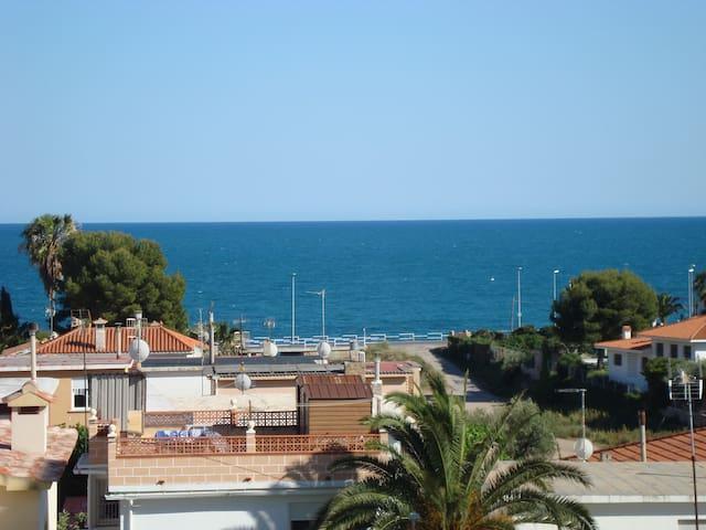 Grand appartement avec magnifique vue sur la mer