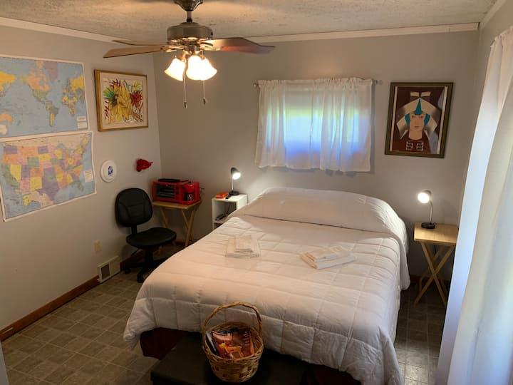 Room 1Y-Cozy & near Bates/hospitals/shops/schools