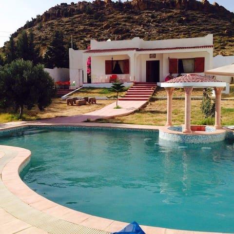 Magnifique maison Avec piscine 10 min de la plage