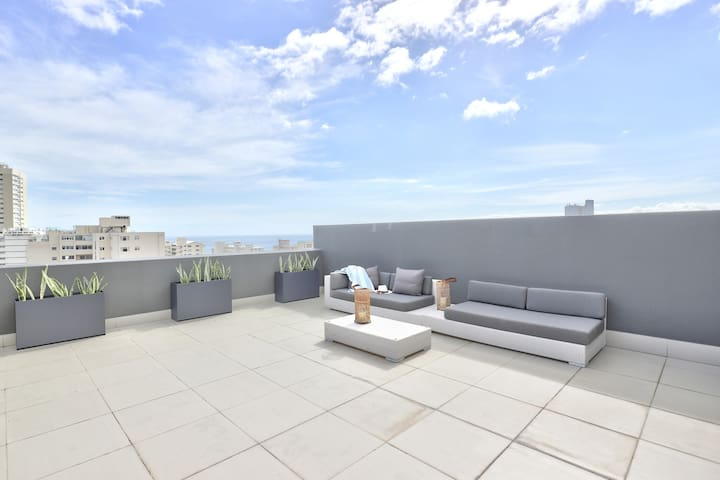 Upper deck with outdoor furniture