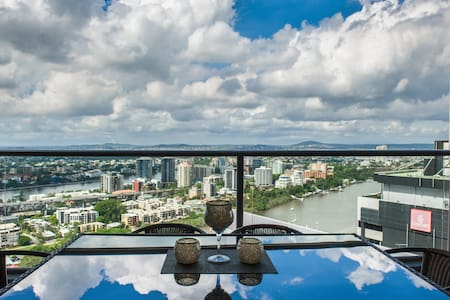 High Above the City! 2bd Luxury.