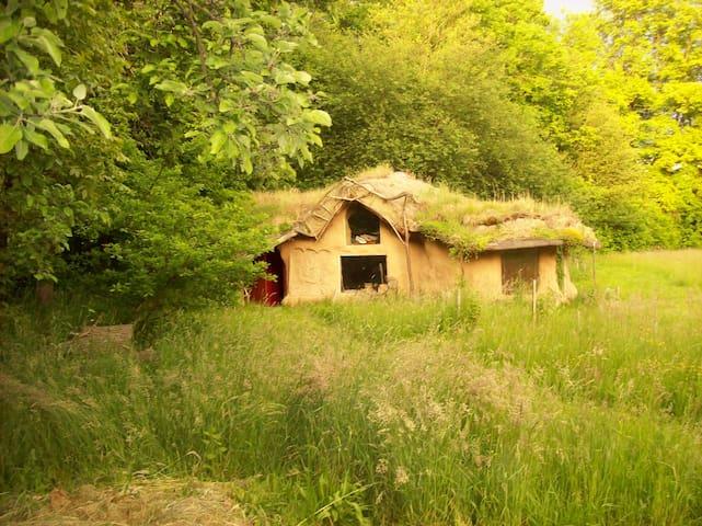 Alternativní dům ze slámy - Skuteč - Aarde Huis
