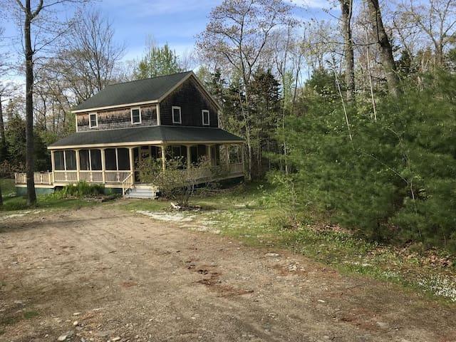 New England Cottage in Round Pond - Pemaquid