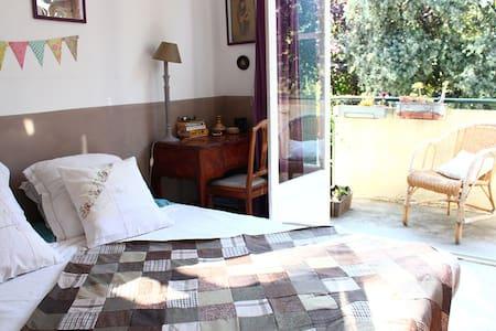 Chambre dans maison avec  jardin - 蒙彼利埃 - 独立屋