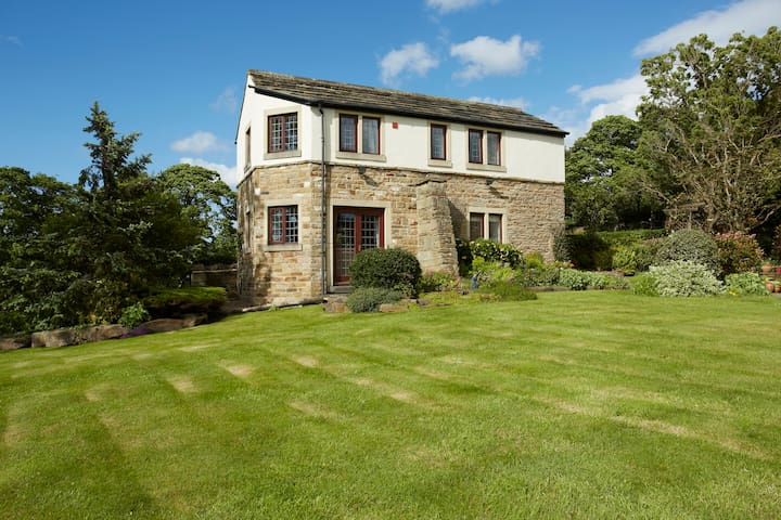 Charming cottage in quiet location - Gomersal, Cleckheaton, - Talo