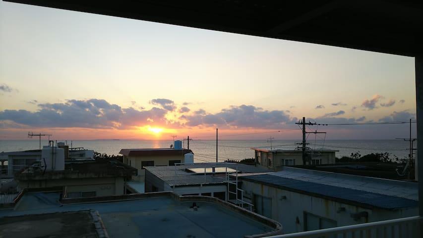 COLDIO SUNSET CHATAN #B(コルディオ サンセット北谷B棟)