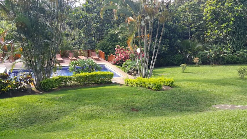 Beautiful Garden House 3 minutes from the airport - Alajuela, Costa Rica - House