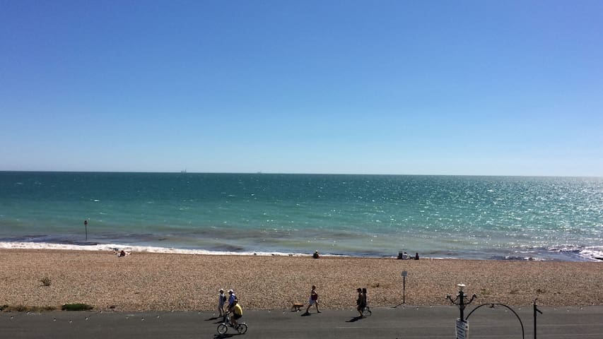 Amazing 3 bedroom spacious sea view flat - Worthing - Apartament