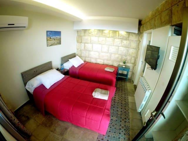 Beit Wadi(URL HIDDEN)Room n1 - Ghazir - 別荘
