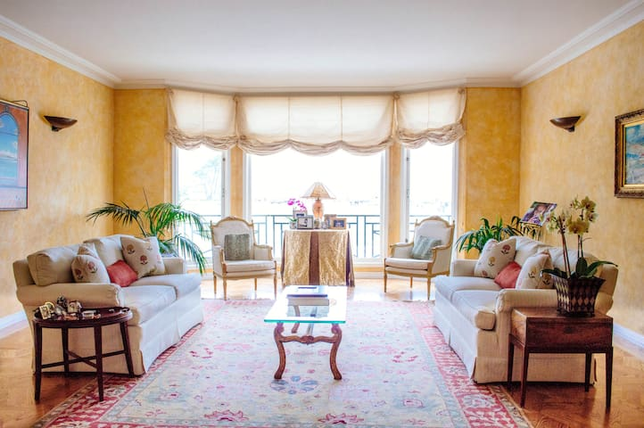 Marina Villa on Bay: Early February, month of July