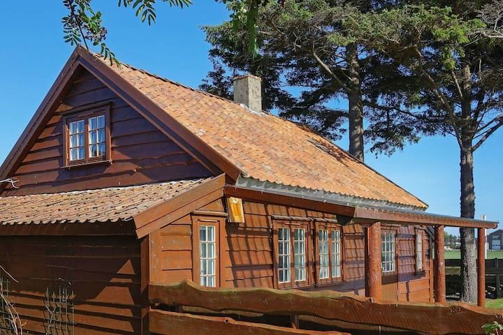 8 person holiday home in VARHAUG