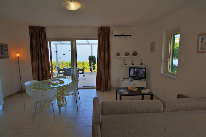 Holiday Home in Parghelia with Terrace and Garden Furniture